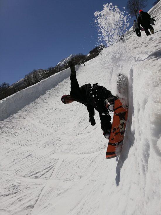 「サーモバッグワックス」のチューンナップでスノーボードにワックス浸透
